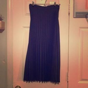 Zara XS navy pleated skirt